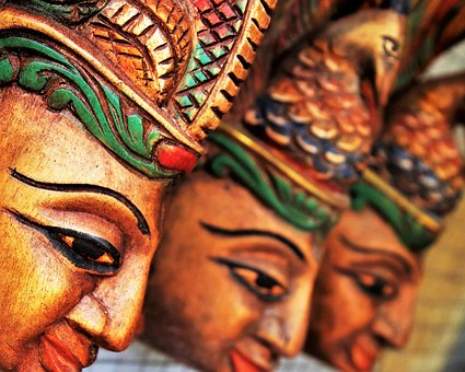 Sri Lanka wood carvings - visit Sri Lanka museums with Trusted Tours