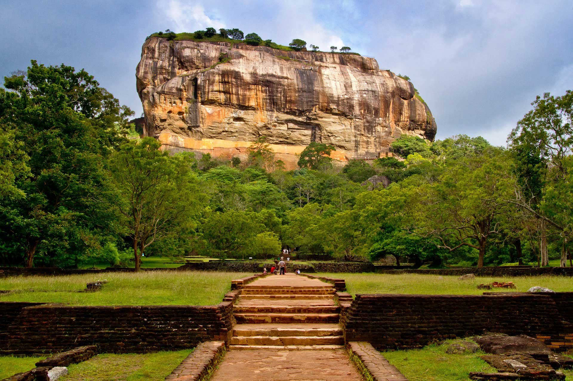 Sri Lanka Tours and Private Driver - Visit - Sigiriya